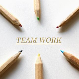 色鉛筆によるチームワークのイメージ画像
